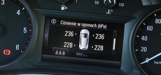 Niskie ciśnienie powietrza w oponach: czy układy kontroli ciśnienia całkowicie rozwiązują problem?