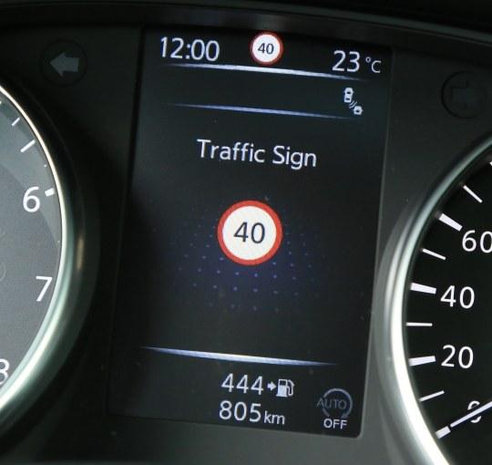 Auto zwolni za kierowcę. Czy to koniec mandatów za szybką jazdę?