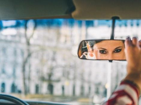 Kobieta za kierownicą - Katarzyna Frendl: Uprzedzenia mężczyzn względem jeżdżących kobiet wynikają z kultury osobistej, wychowania. Trudno je wyplenić